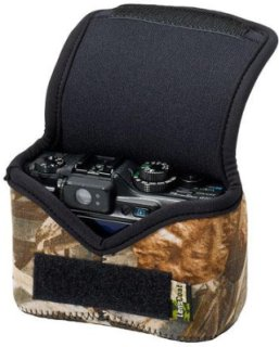 LensCoat Neoprene Body Bag Small Designed for a Point & Shoot Camera - Realtree Max4 HD